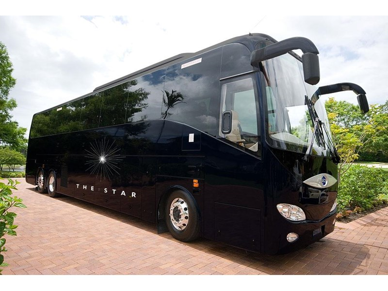opulence the ultimate coach 678782 002