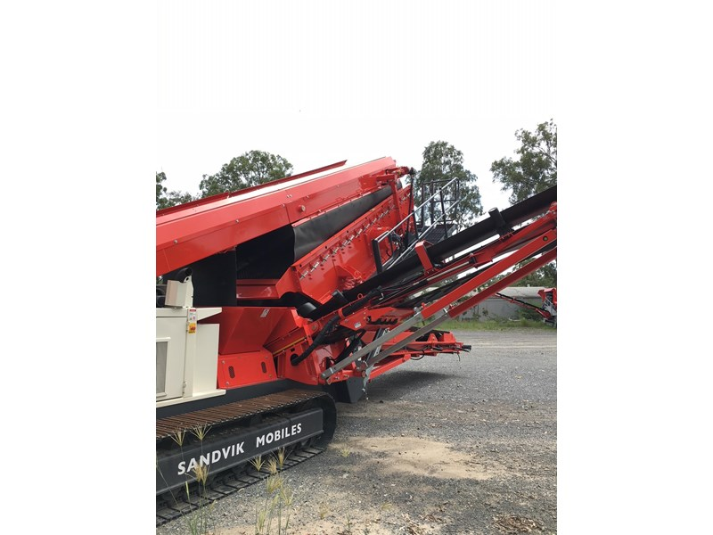 sandvik qa331 mobile screen - with vibrating grid 680919 004