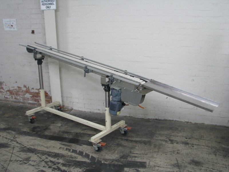 FLEXLINK MOTORISED PLASTIC CHAIN BELT CONVEYOR - 2 2M LONG