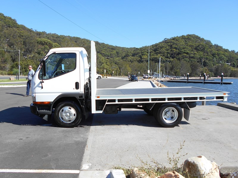 fuso canter 515 4x2 682564 004