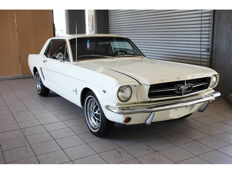 ford mustang 661163 002