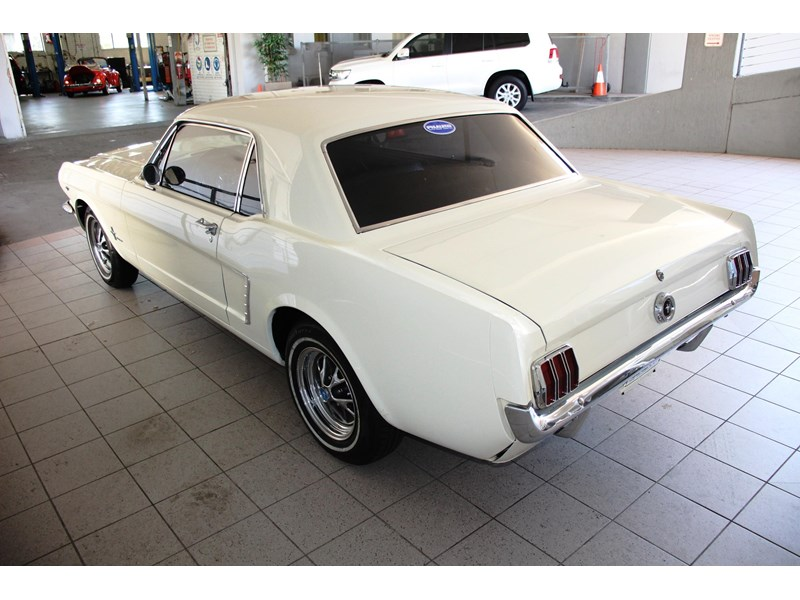ford mustang 661163 008