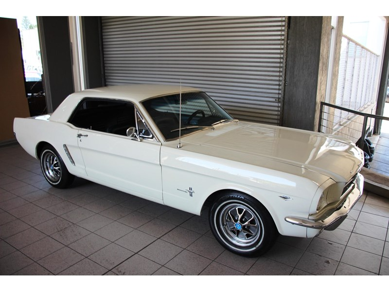 ford mustang 661163 040