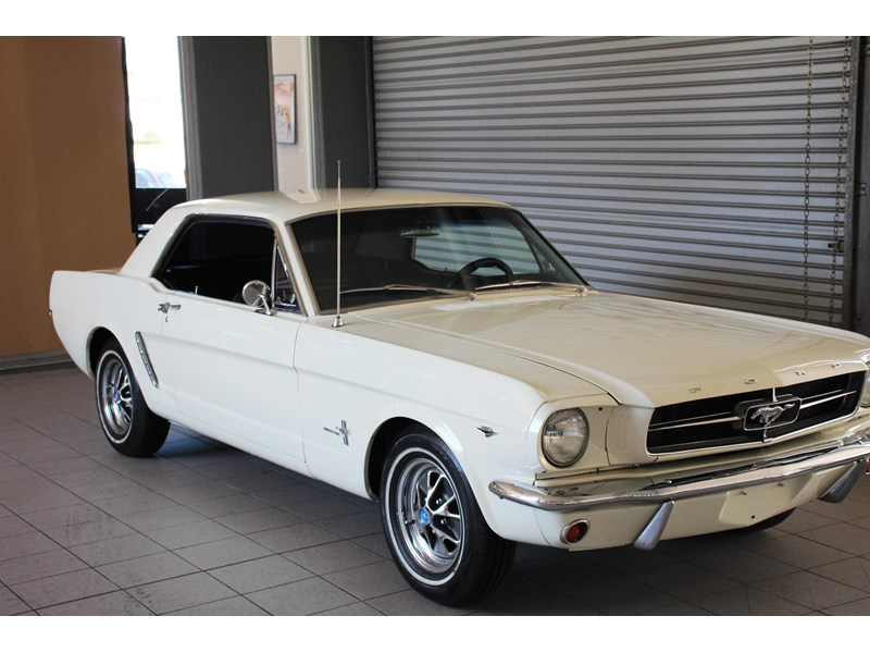 ford mustang 661163 041