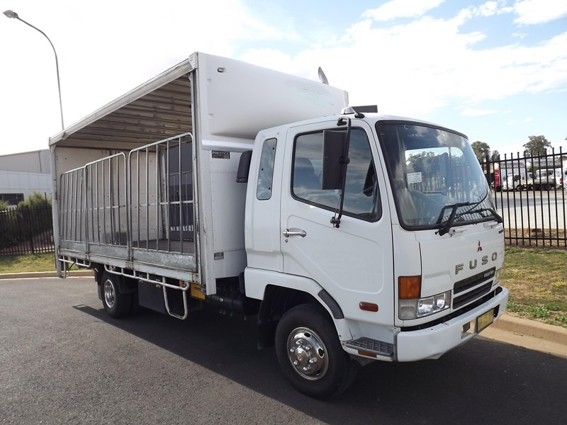 fuso fighter 6 683357 012