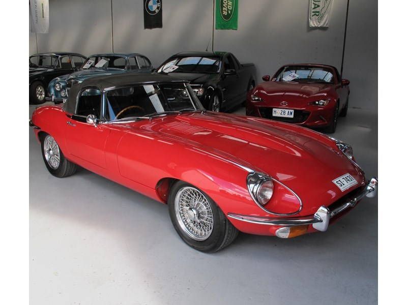 jaguar e-type 683047 011