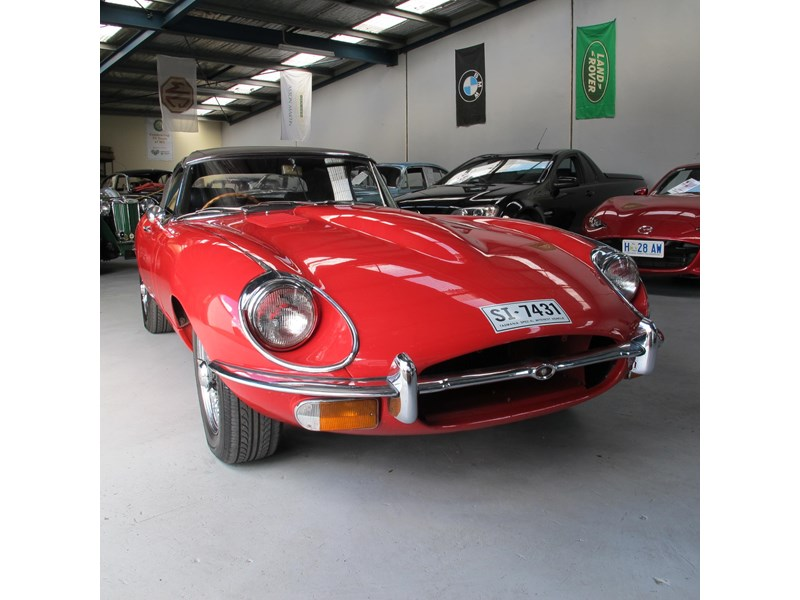 jaguar e-type 683047 012
