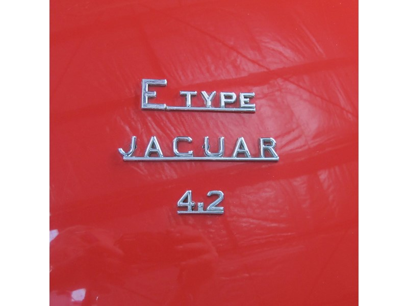 jaguar e-type 683047 016