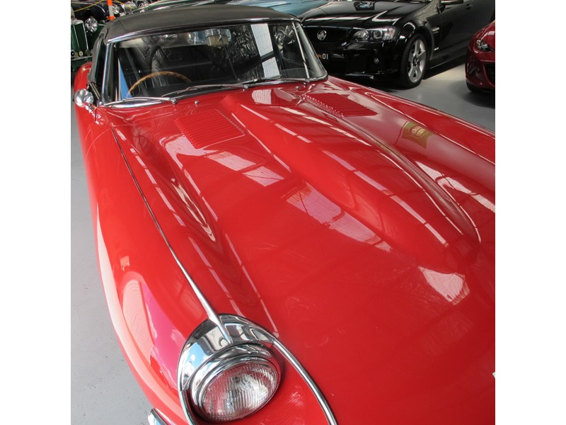 jaguar e-type 683047 018