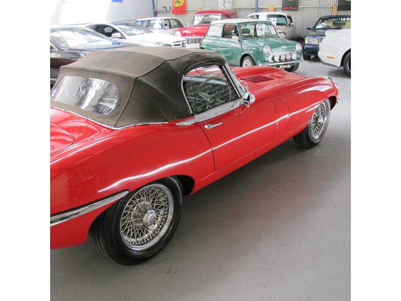 jaguar e-type 683047 026