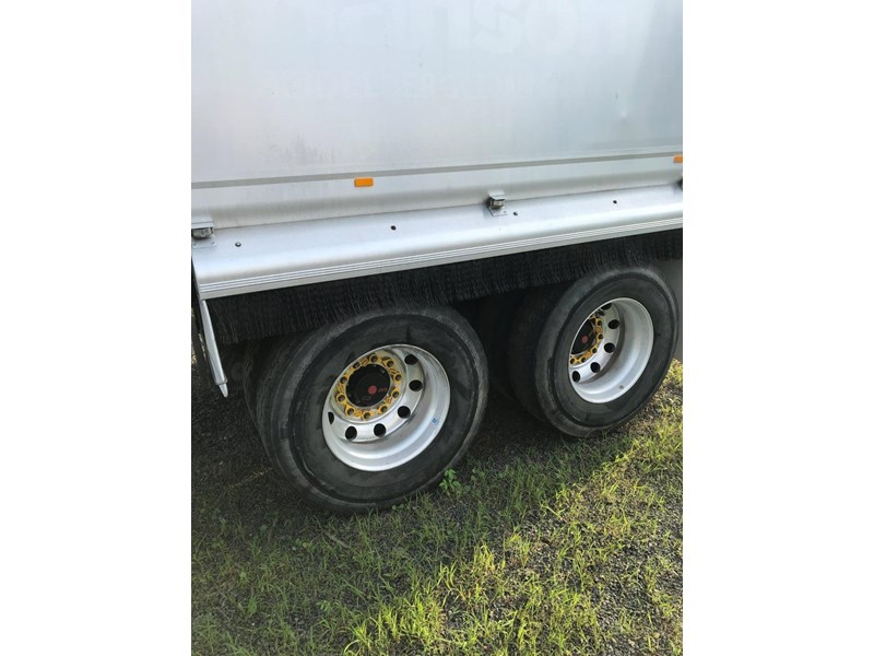 borcat three axle alloy dog 670504 006