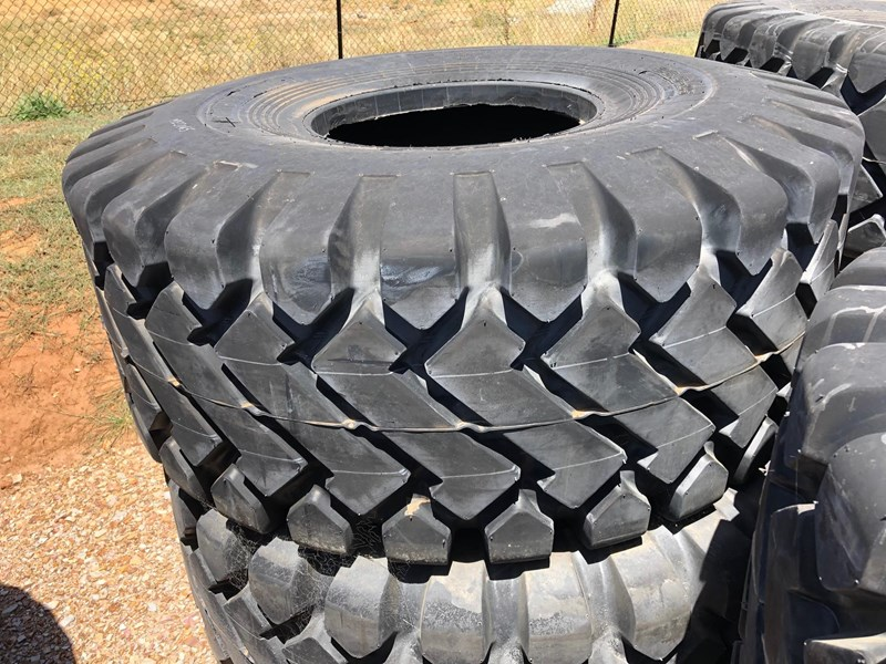 forcestone 26.5 / 25 off road dump truck tyres 686549 002