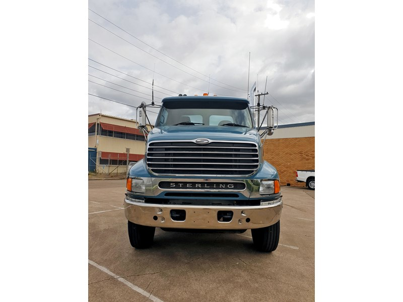 ford sterling 688211 002