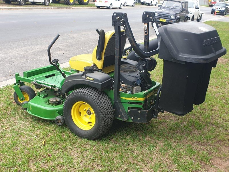 JOHN DEERE 717A 48inch Commercial Catcher for sale