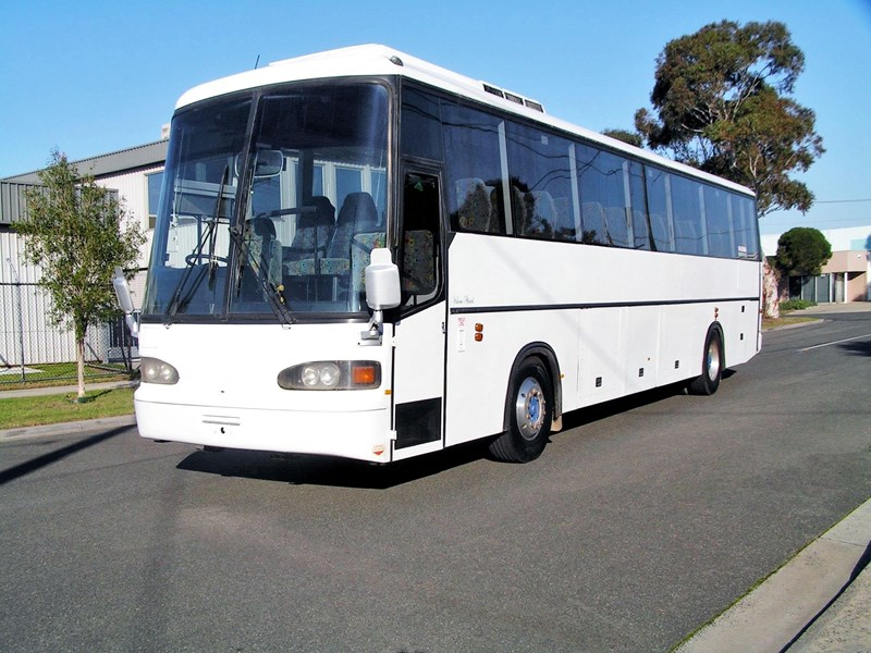 man coach 290 hp (ac, belts, 57 pass) 688721 002