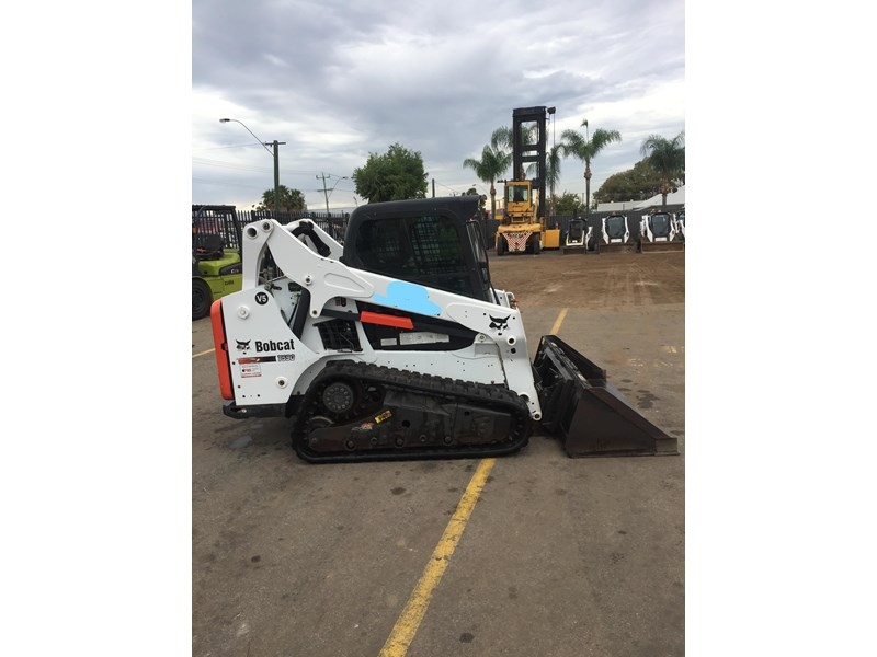 bobcat t590 - near new - price reduced 690233 001