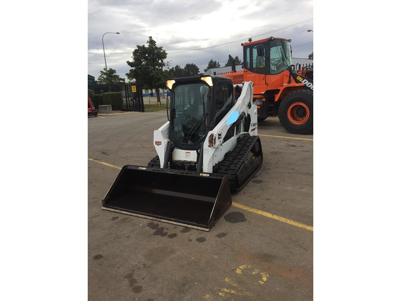 bobcat t590 - near new - price reduced 690233 005