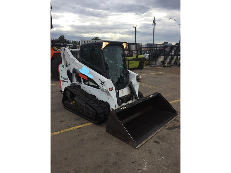 bobcat t590 - near new - price reduced 690233 006