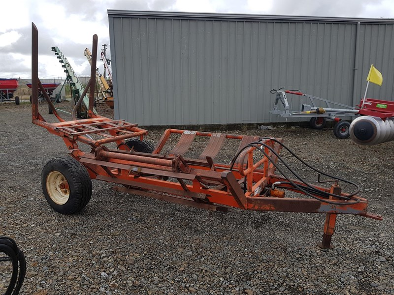 dml trailing 2 bale feeder 691896 001
