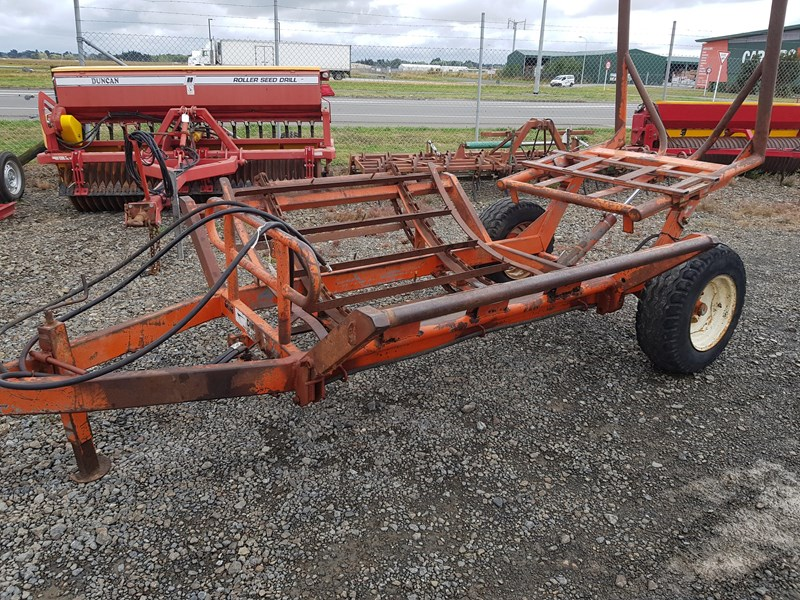 dml trailing 2 bale feeder 691896 002