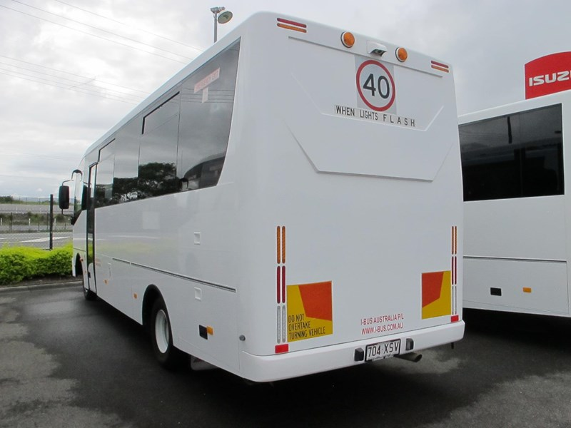 isuzu i-bus 34 seater school bus 693284 002
