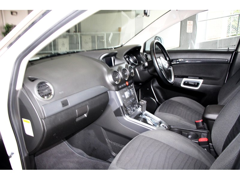 holden captiva 693314 012