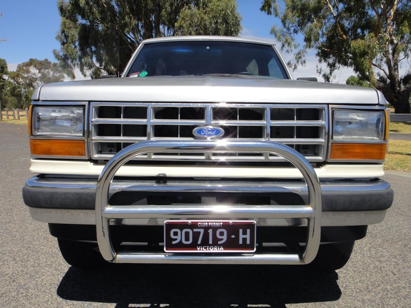 ford bronco 693402 002