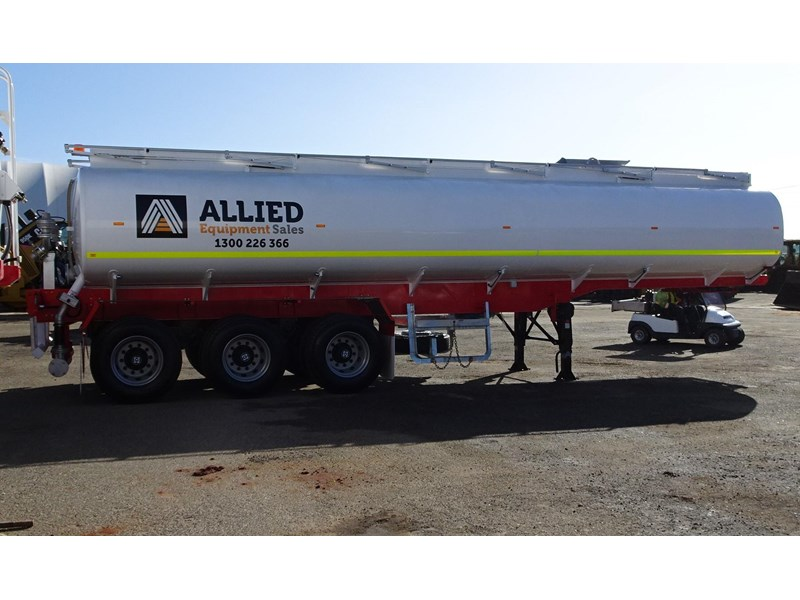action tri axle tanker trailer 646297 006
