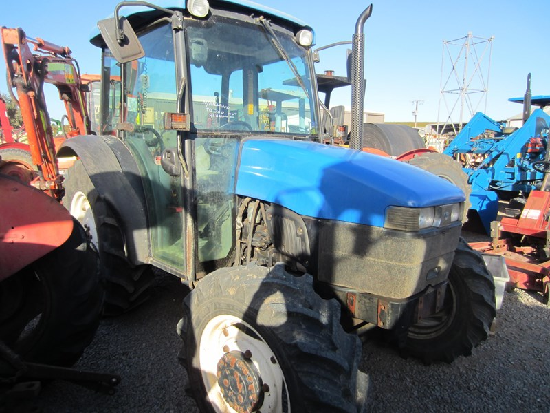 new holland tn70d 4 wheel drive tractor 694672 008