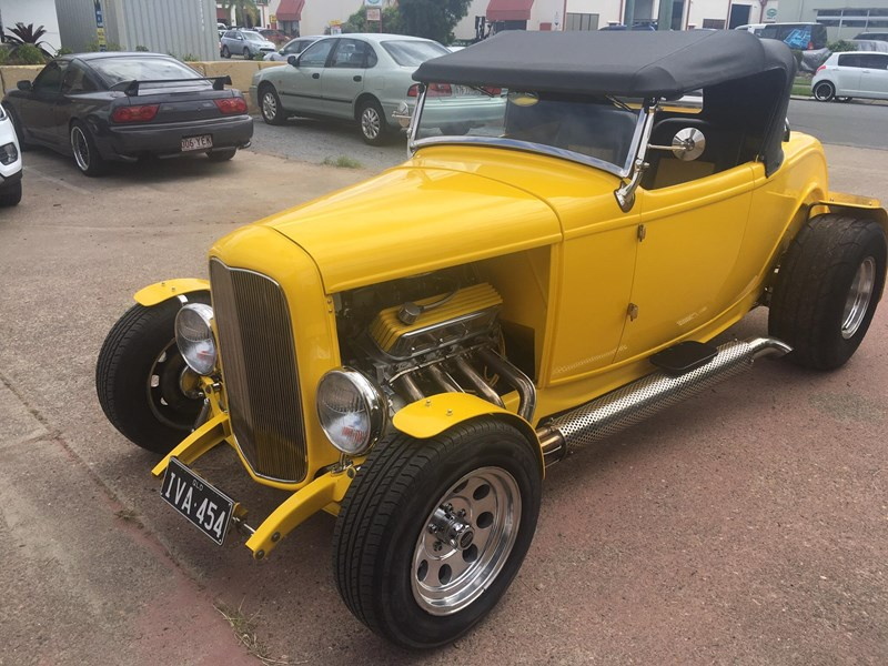 ford roadster 695006 001