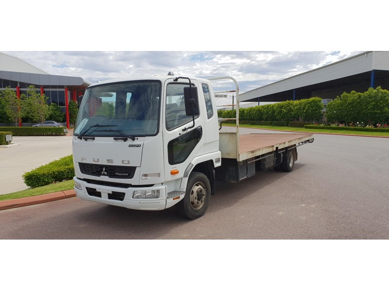 fuso fighter 1024 642294 008