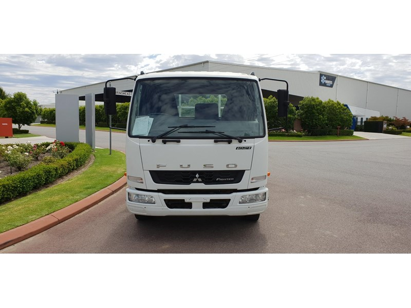 fuso fighter 1024 642294 009