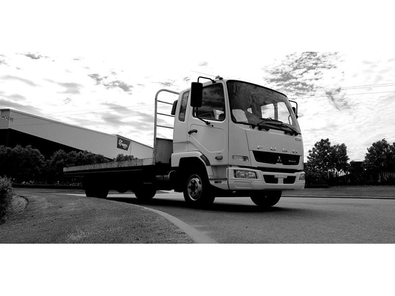 fuso fighter 1024 642294 018