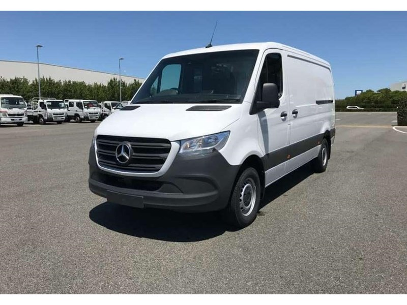 mercedes-benz sprinter 695120 001