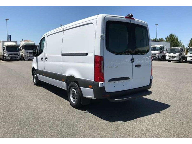mercedes-benz sprinter 695120 003