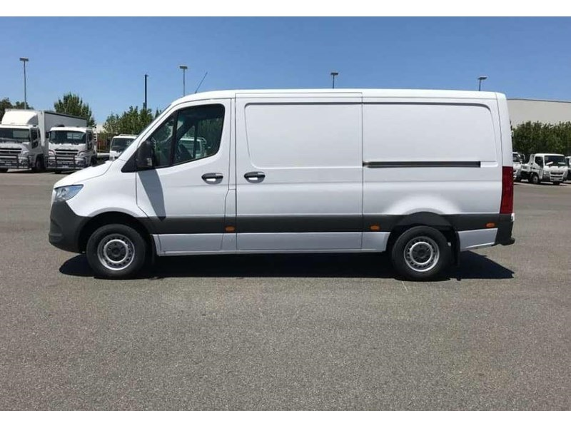 mercedes-benz sprinter 695120 007