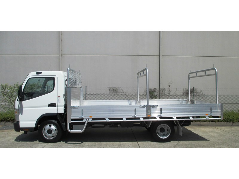 fuso canter 698624 004