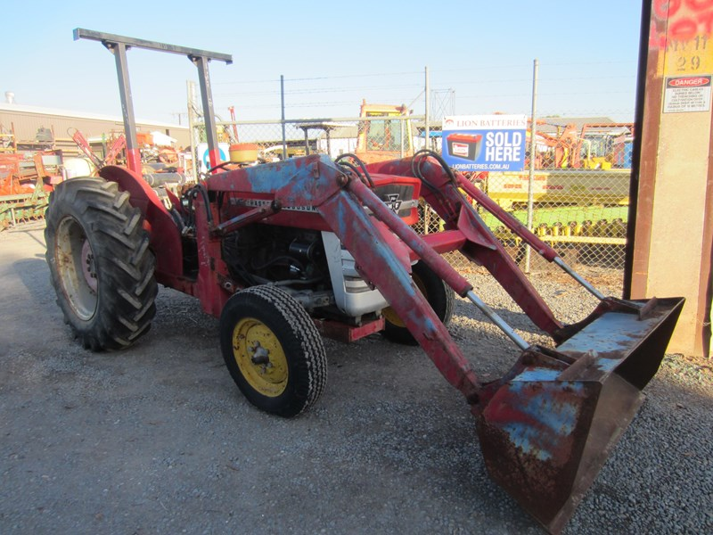 MASSEY FERGUSON 135 TRACTOR FRONT END LOADER for sale