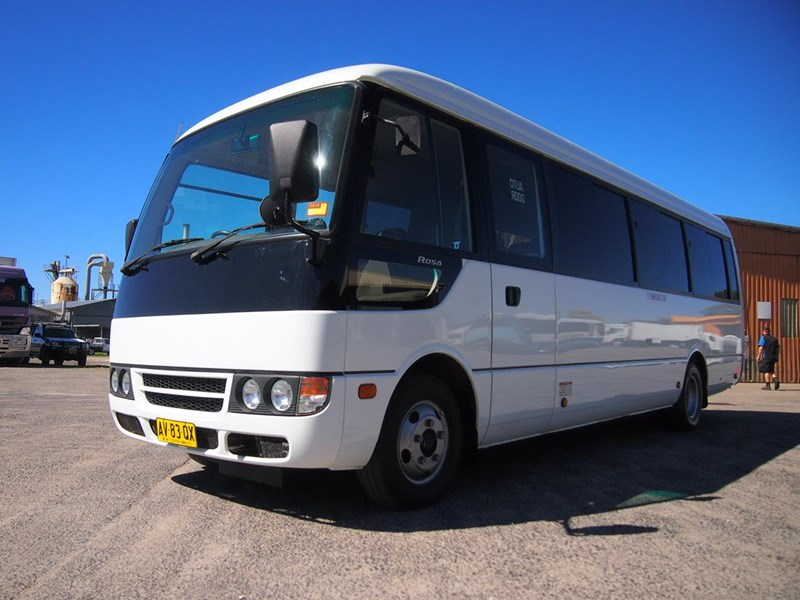 fuso rosa deluxe 25 seats 699616 002