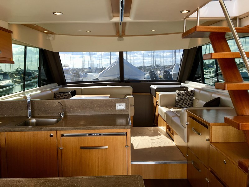 riviera 52 enclosed flybridge 701021 002