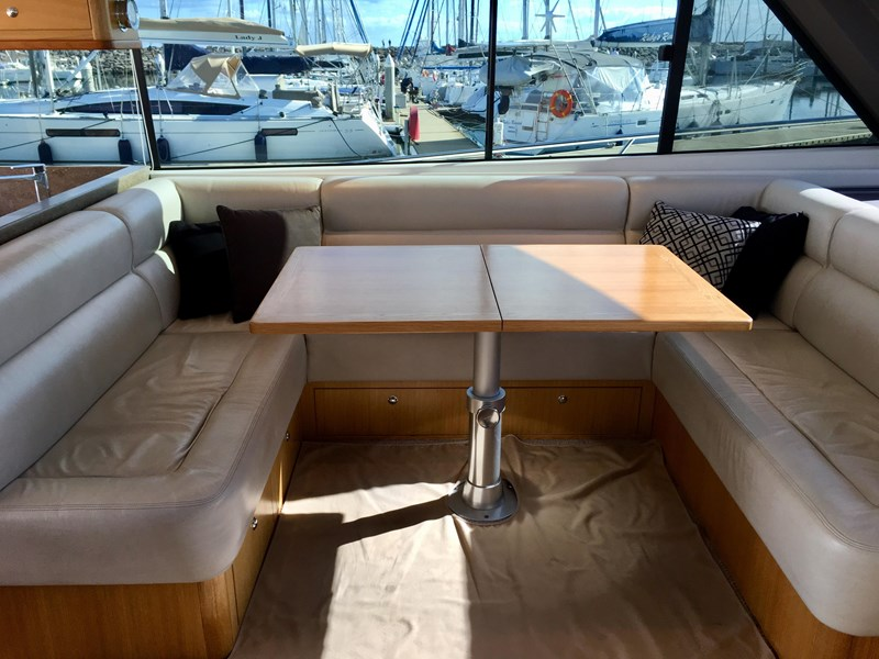 riviera 52 enclosed flybridge 701021 008