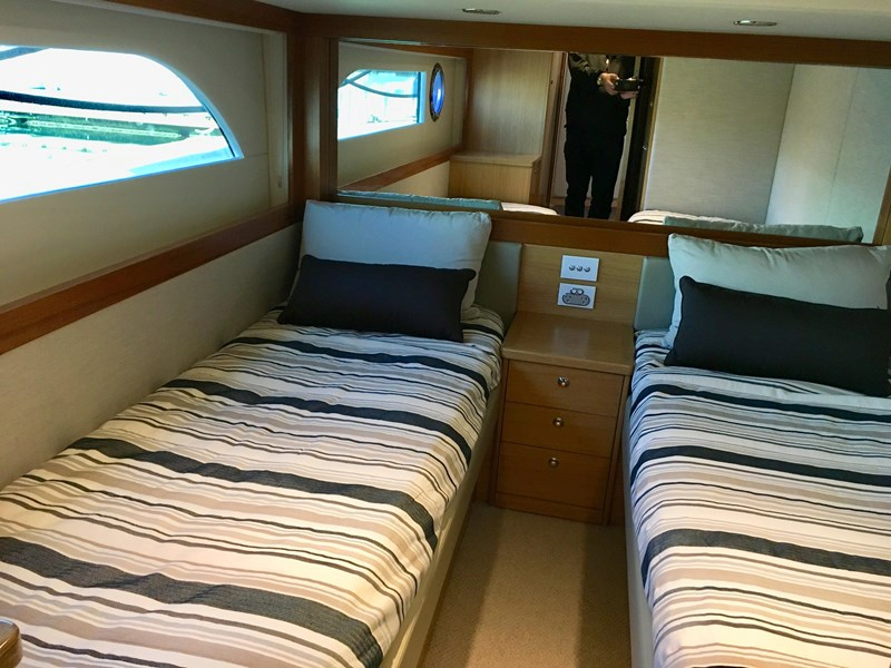 riviera 52 enclosed flybridge 701021 013