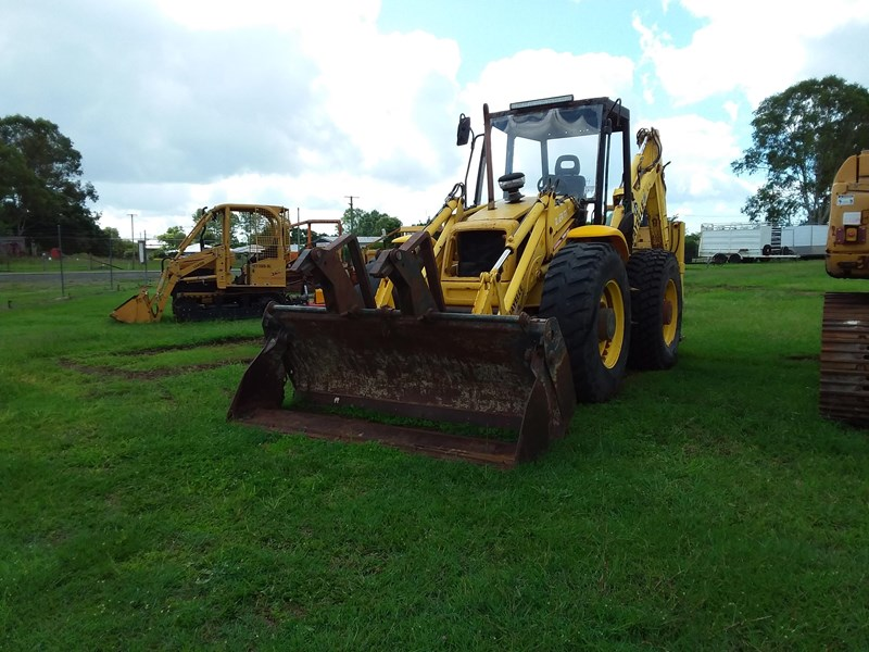 new holland llb115 701117 002