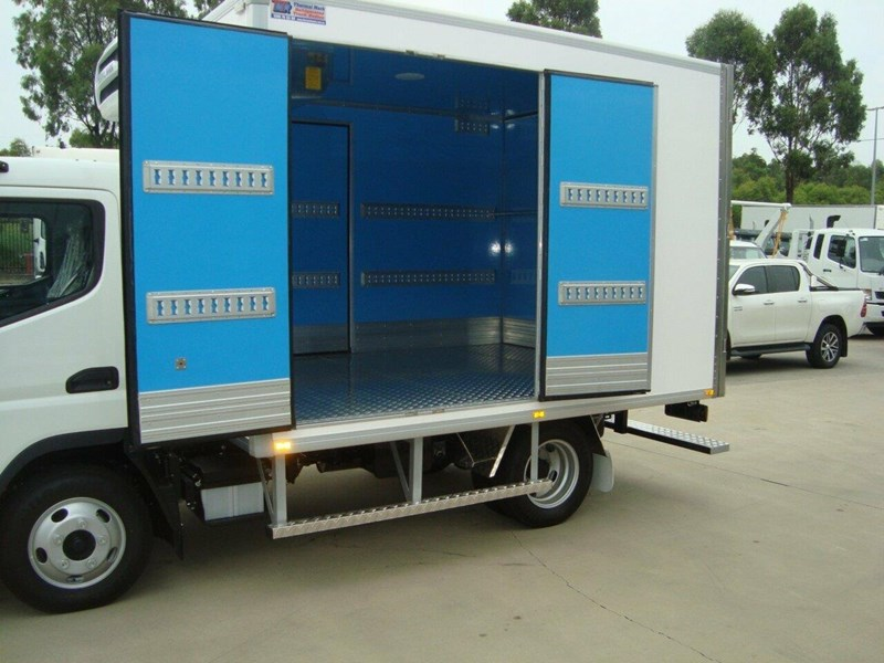 fuso canter 661081 009