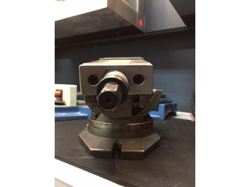 steelmaster industrial 3 axis precision machine vice - 75mm jaw width. 701630 010