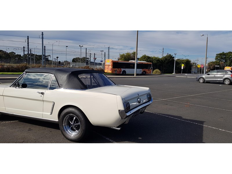 ford mustang 702283 003