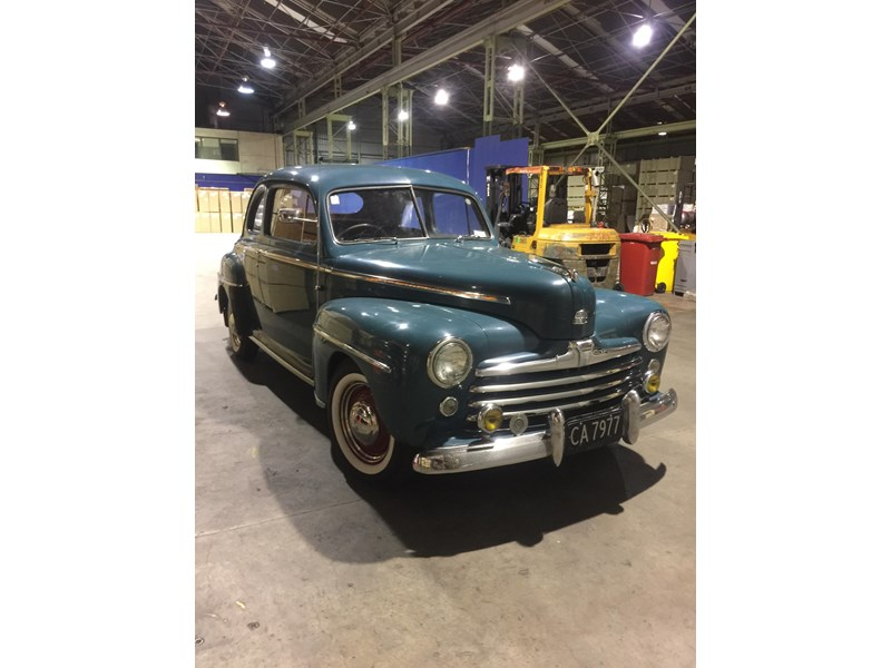 ford deluxe 702321 010