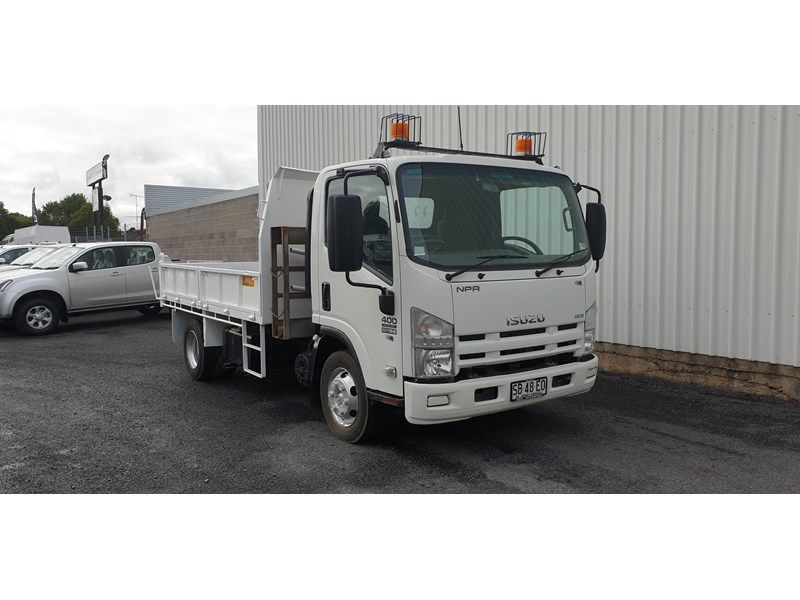 isuzu npr400 medium 645559 001