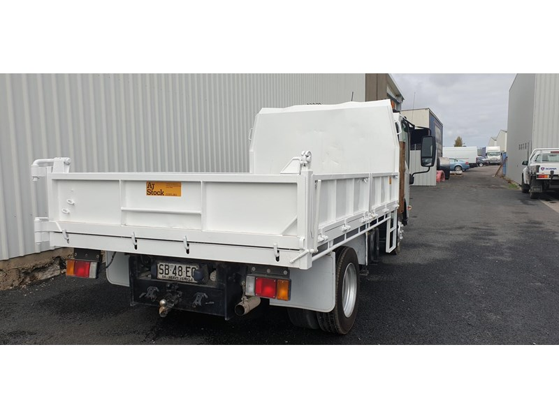 isuzu npr400 medium 645559 007