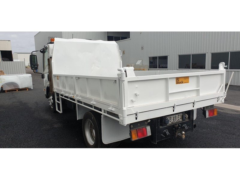 isuzu npr400 medium 645559 004
